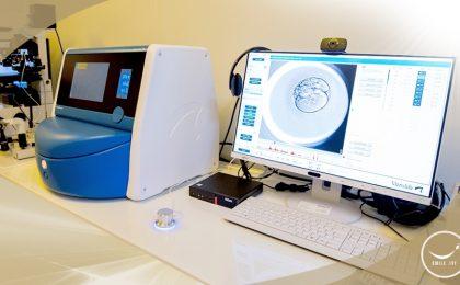 ตู้เลี้ยงตัวอ่อนแบบพิเศษ (EmbryoScope Plus)